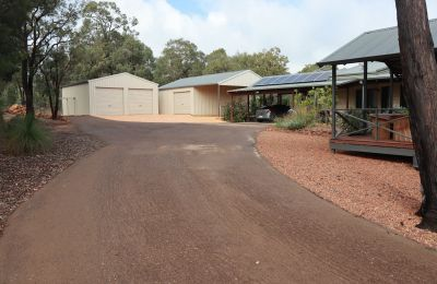 Red Earth Recycled Bitumen Driveway
